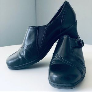 "Earth Origins ""Marla 2"" Black Leather Shoes"